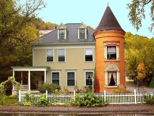 https://en.wikipedia.org/wiki/Kitchen#Colonial_America